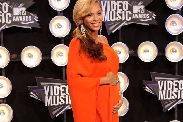 beyonce pregnant at vma 2011