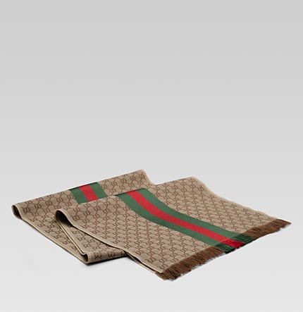 gucci gc print scarf with fringe and web