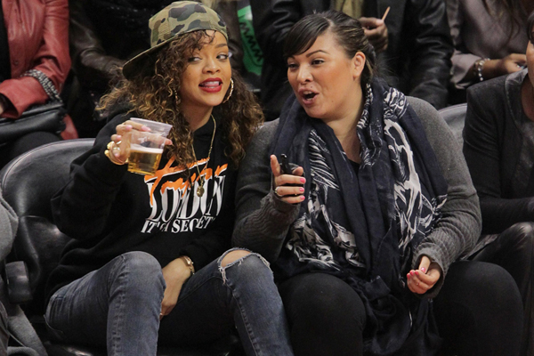 rihanna jumper basket ball game