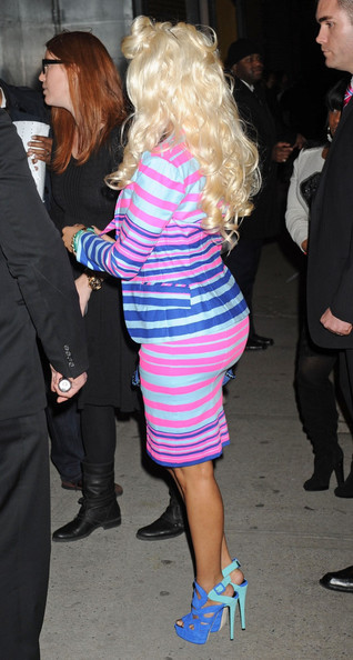 nicki minaj stripe dress butt