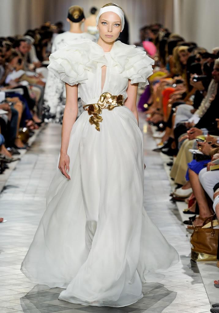 giambattista-valli-couture- ruffled leaf belt dress