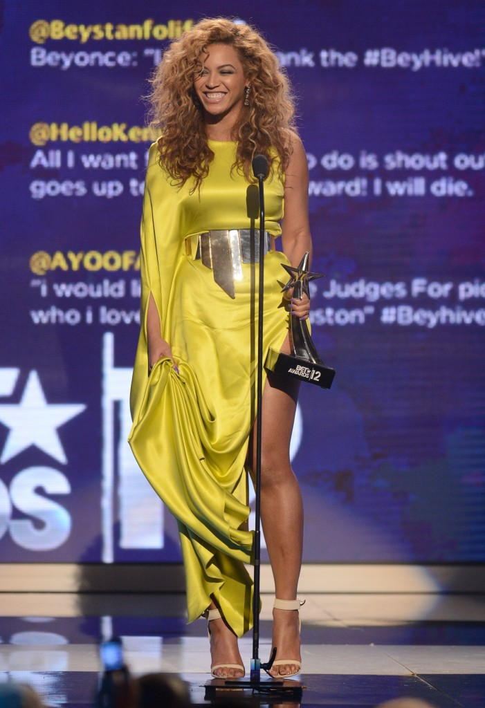 beyonce yellow dress