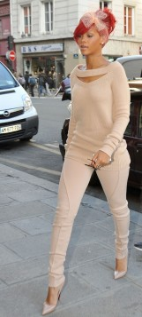rihanna in leggings brown