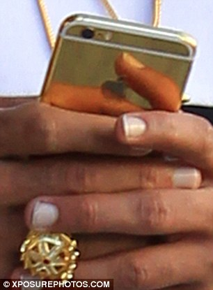 chris brown's gold iphone 6